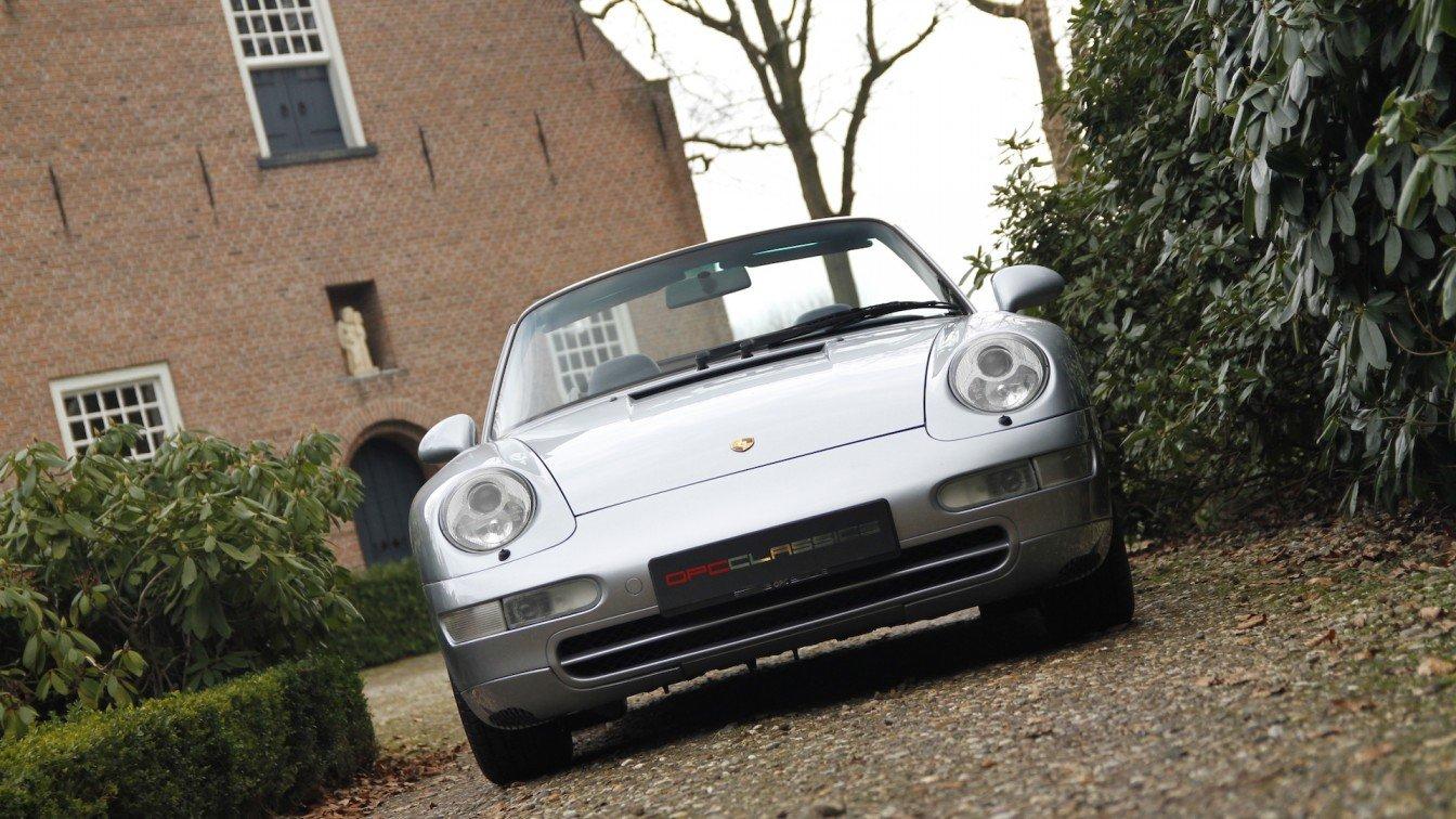 Porsche 993 Carrera 4 Cabriolet