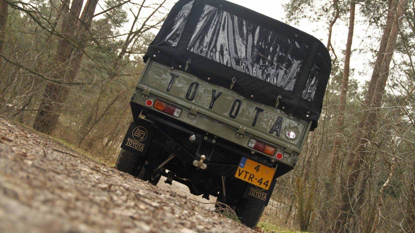 Toyota Landcruiser FJ45 Pick Up