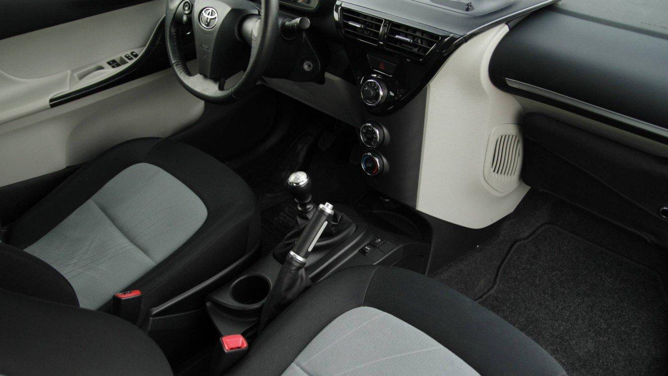 Toyota IQ 1.33 6-bak