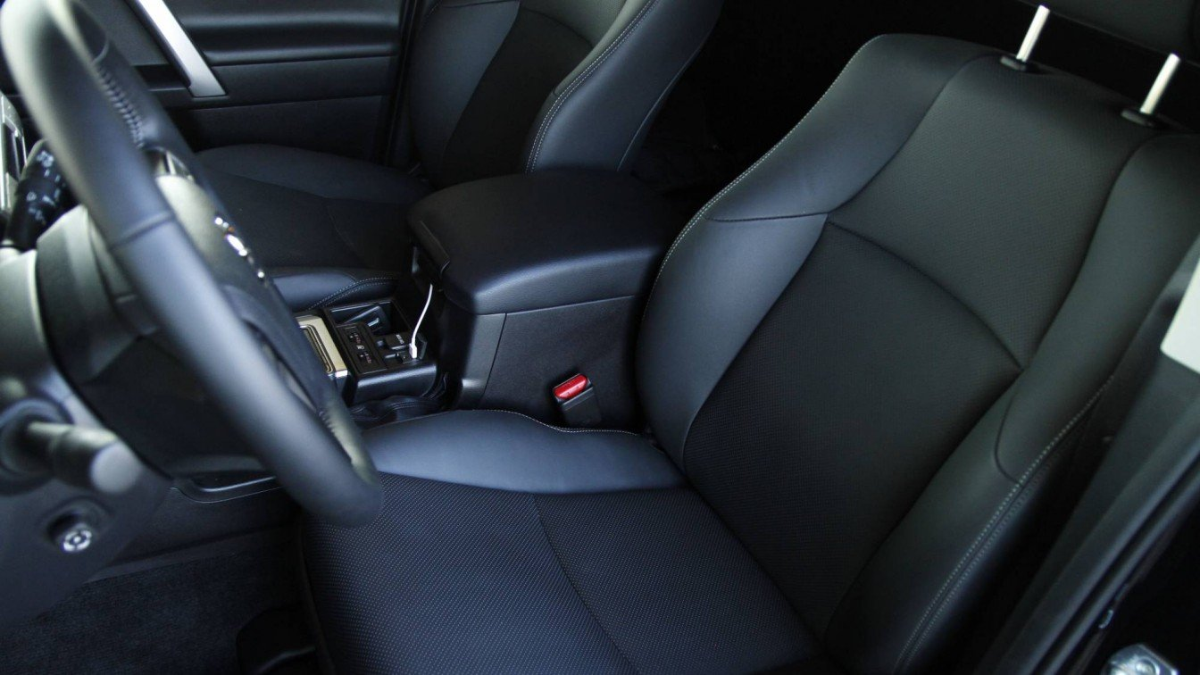 Toyota Landcruiser J150 Executive
