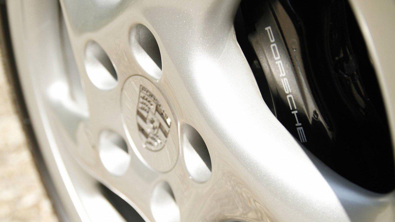 Porsche 993 Carrera 2S Vesuvio