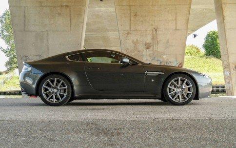 Aston Martin V8 Vantage S1
