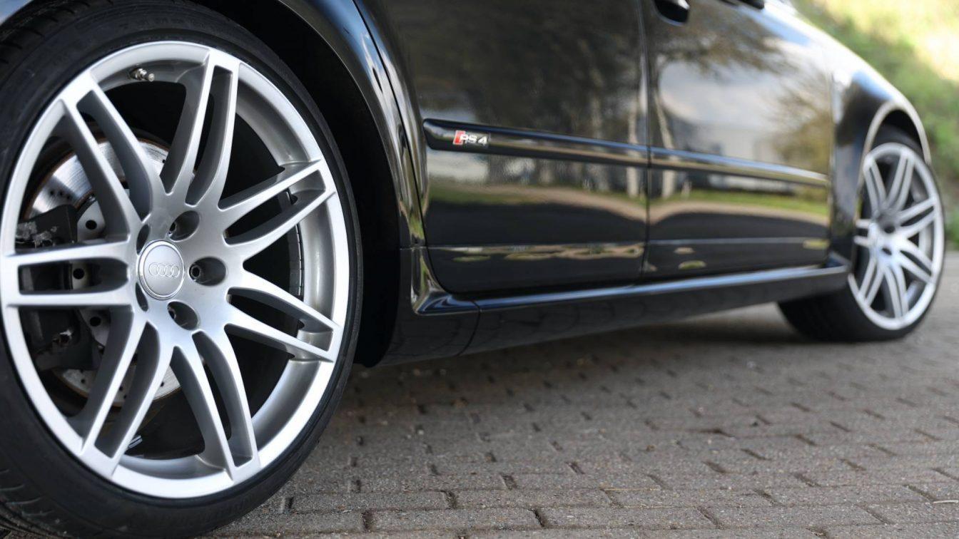 Audi RS4 Limousine 4.2 V8 Quattro