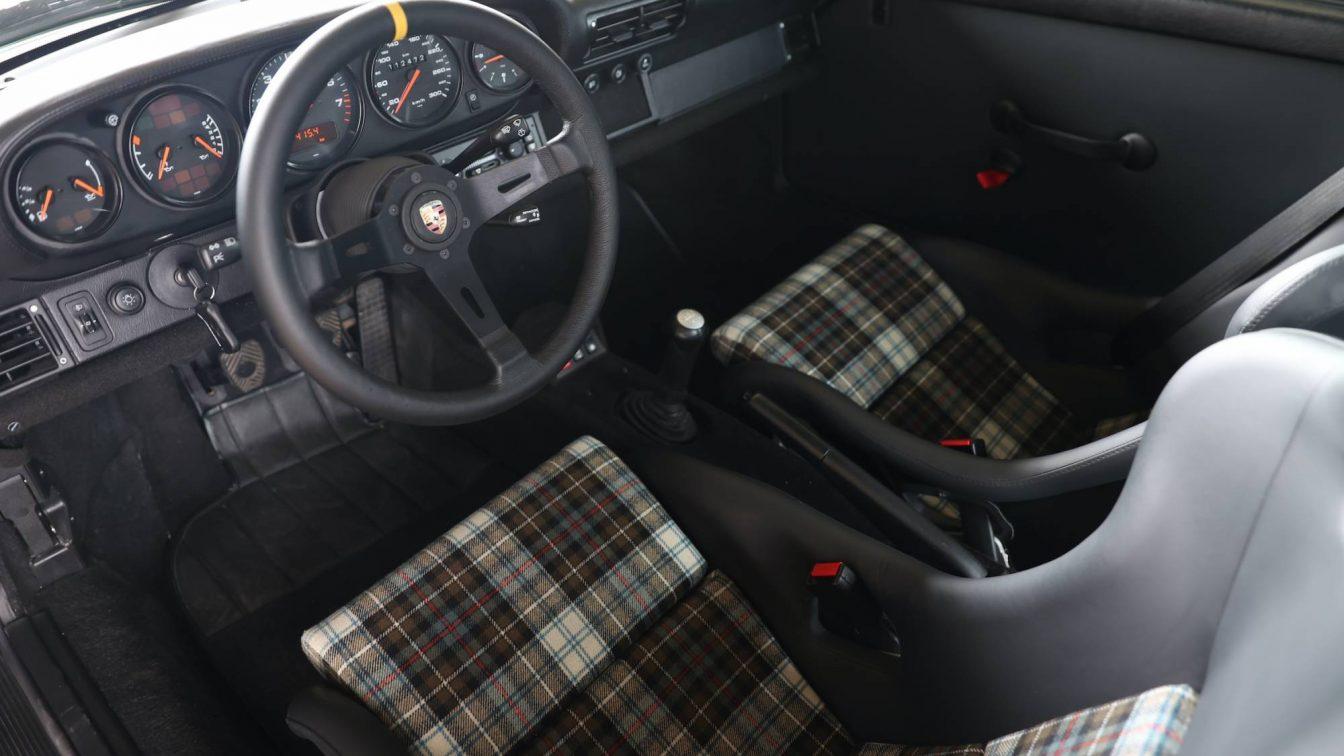 Porsche 911 993 Coupé Carrera 4